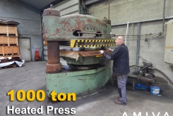 Svit 1000 ton heated press